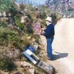 Pintant a l'ermita de la Roca